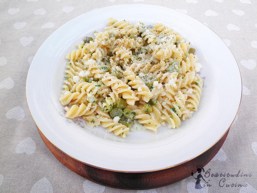 Fusilli asparagi e philadelphia, primo piatto di pasta, pasta asparagi