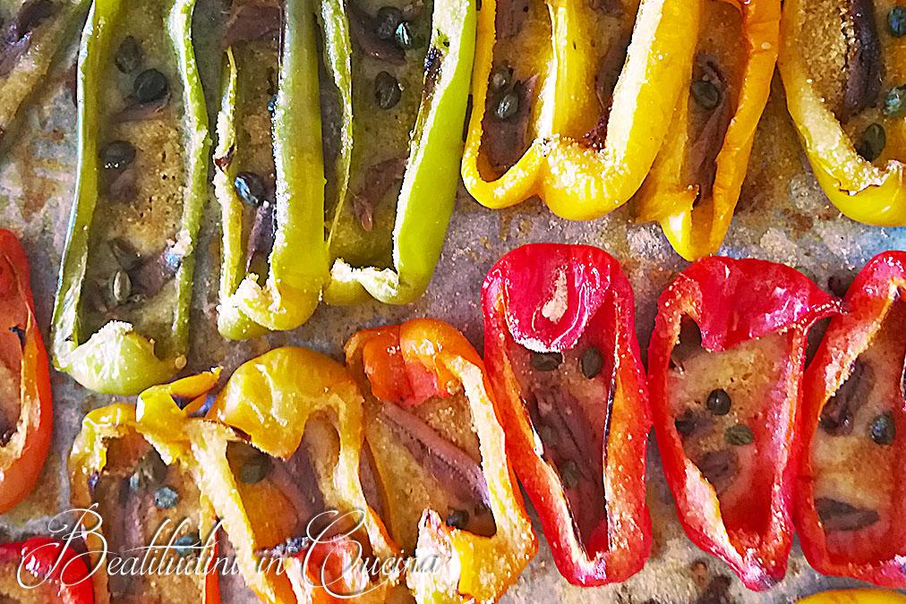 peperoni al forno con acciughe e capperi
