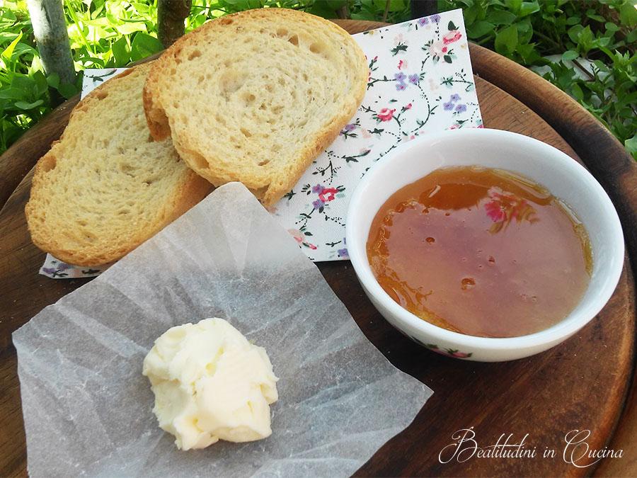 Pane, burro e miele