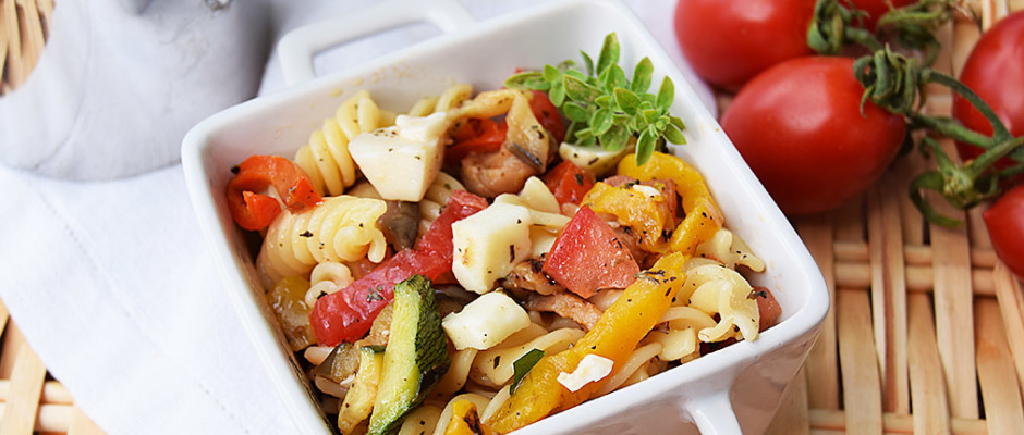 asta fredda con zucchine, peperoni e melanzane vegetariana