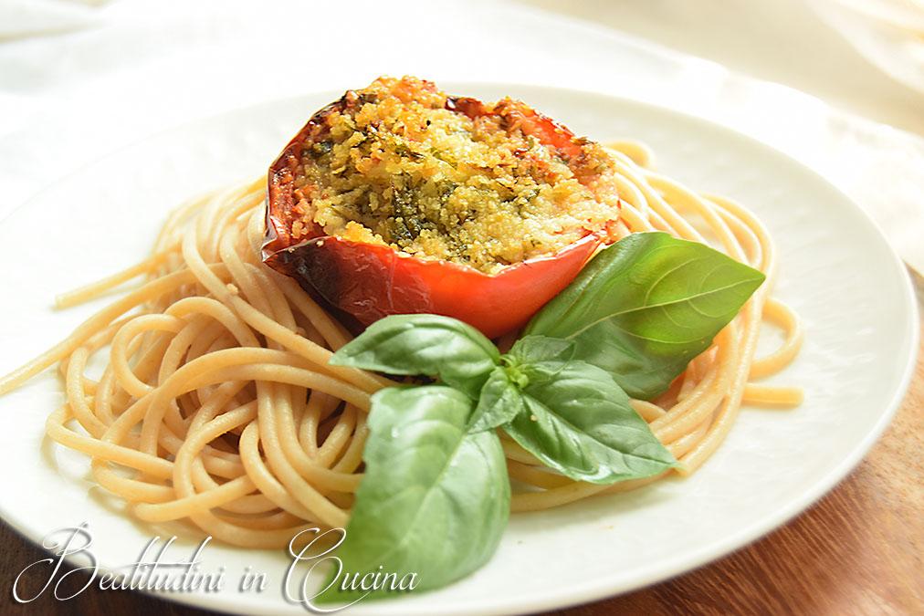 Spaghetti con pomodori gratinati