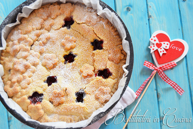 Strawberry pie crostata ripiena di fragole