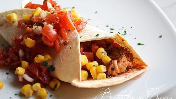 Burrito di pollo con pico de gallo
