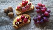 Crostoni uva caramellata e brie