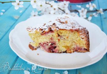 Torta morbida alle fragole e mele