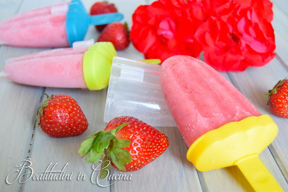 Gelato alle fragole e yogurt senza gelatiera