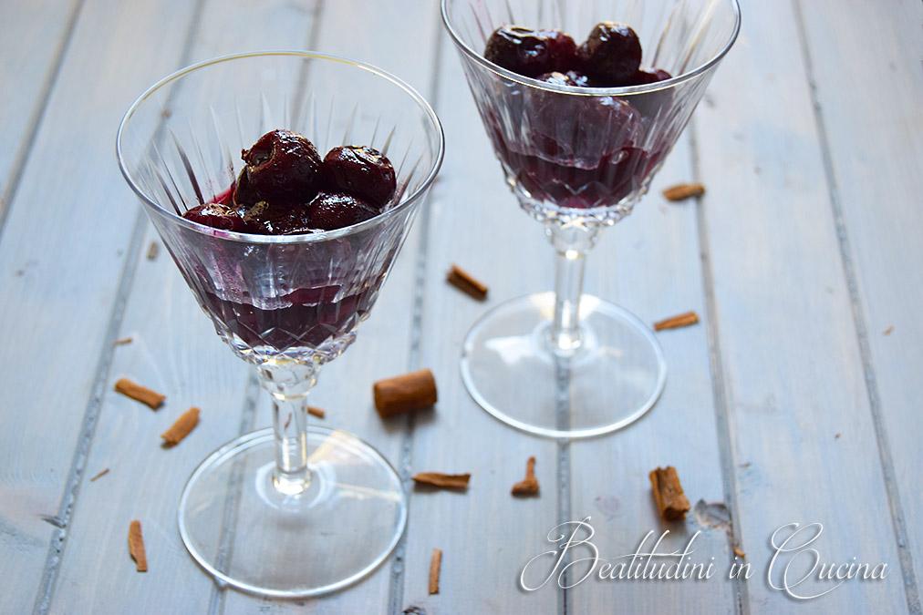 Ciliegie cotte al vino e cannella
