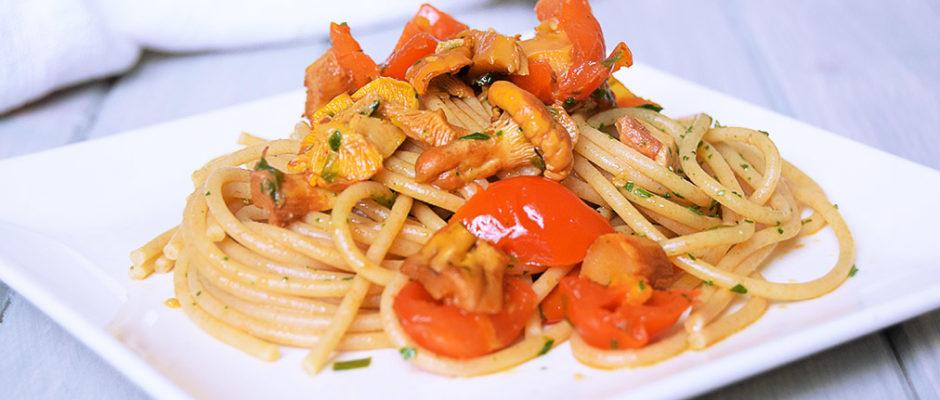Spaghetti ai finferli e pomodorini