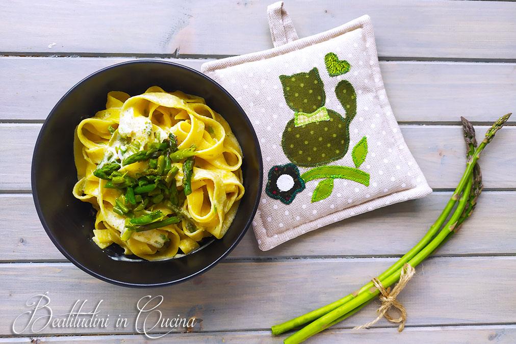 Tagliatelle cremose agli asparagi selvatici