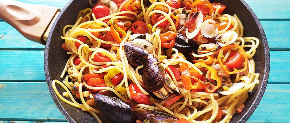 Spaghetti ai frutti di mare e friggitelli