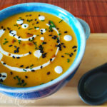 Zuppa thai di zucca e latte di cocco